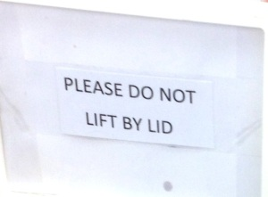 dont_lift_by_lid